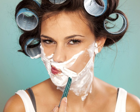 woman-shaving_0